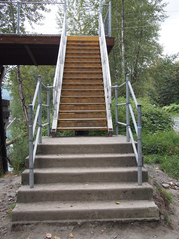 Reinig Bridge Staircase: Someone should tell city planners that staircases don't belong on bike routes.