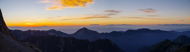 日の出・・・浅間山・八ヶ岳・富士・南アルプス