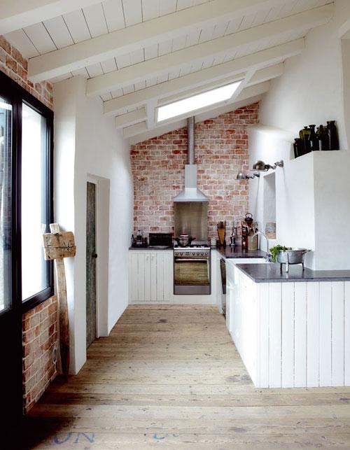 Paredes interiores con ladrillo oasisingular - British interior design style pragmatism comes first ...