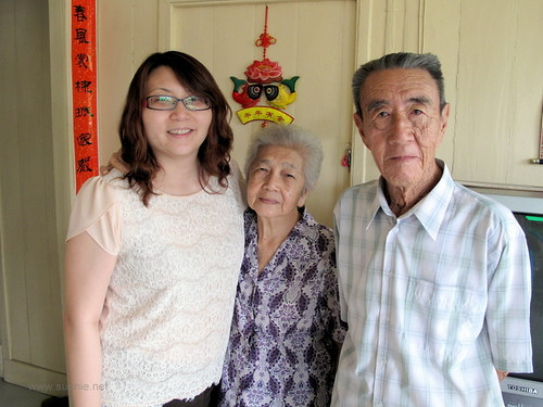 Suanie's Chinese New Year 2013 - with grandparents