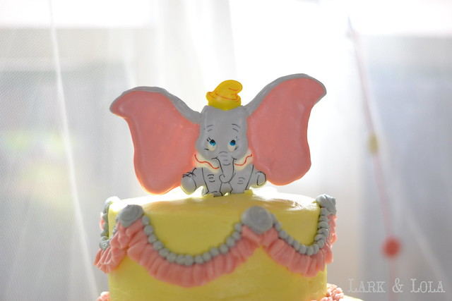 Dumbo color flow topper