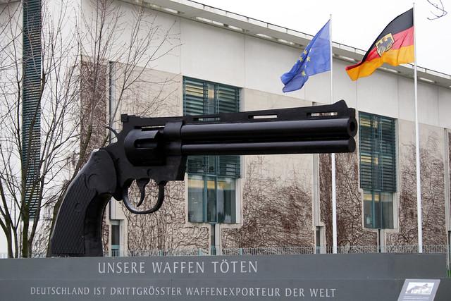 Unsere Waffen töten