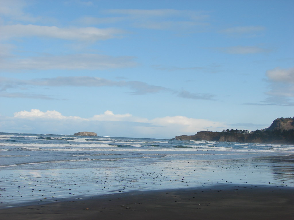 Gull Rock and Devil's Punchbowl
