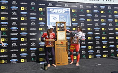 2013 Rip Curl Women's Pro finalists Tyler Wright and Carissa Moore ring their Bells.