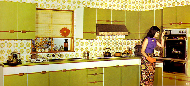 .. clashing with her kitchen!