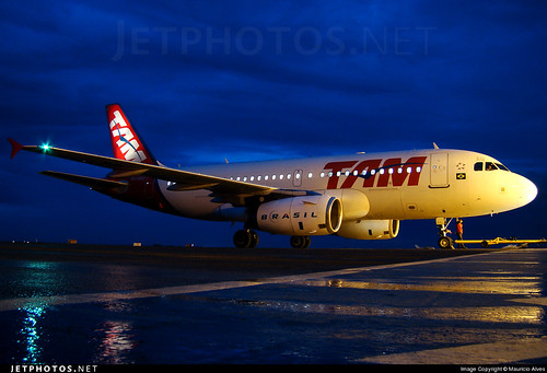 PRMAQ - Airbus A319 - TAM Linhas Aéreas by GYN Online