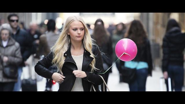 el globus rosa - Cinematic Street Photography