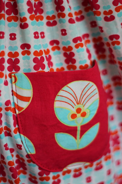 red retro geranium, pocket