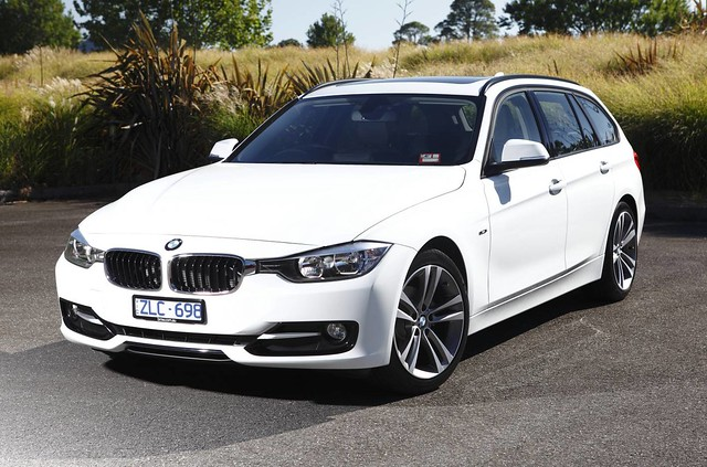 2013 bmw 318d touring first drive bigger outside and. Black Bedroom Furniture Sets. Home Design Ideas