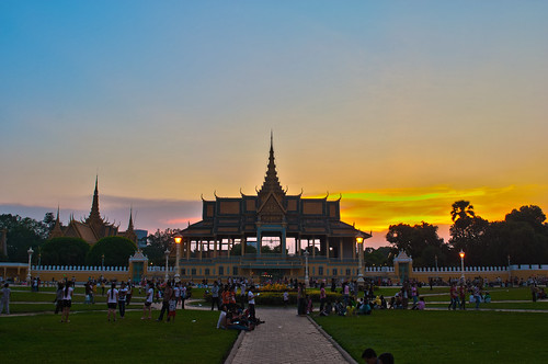 city sunset building architecture buildings asian asia cambodia southeastasia cityscape cambodian khmer sundown dusk palace phnompenh citycentre hdr highdynamicrange royalpalace southeastasian earthasia