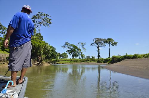 la costarica persone provincia tortuguero limon canali pavona