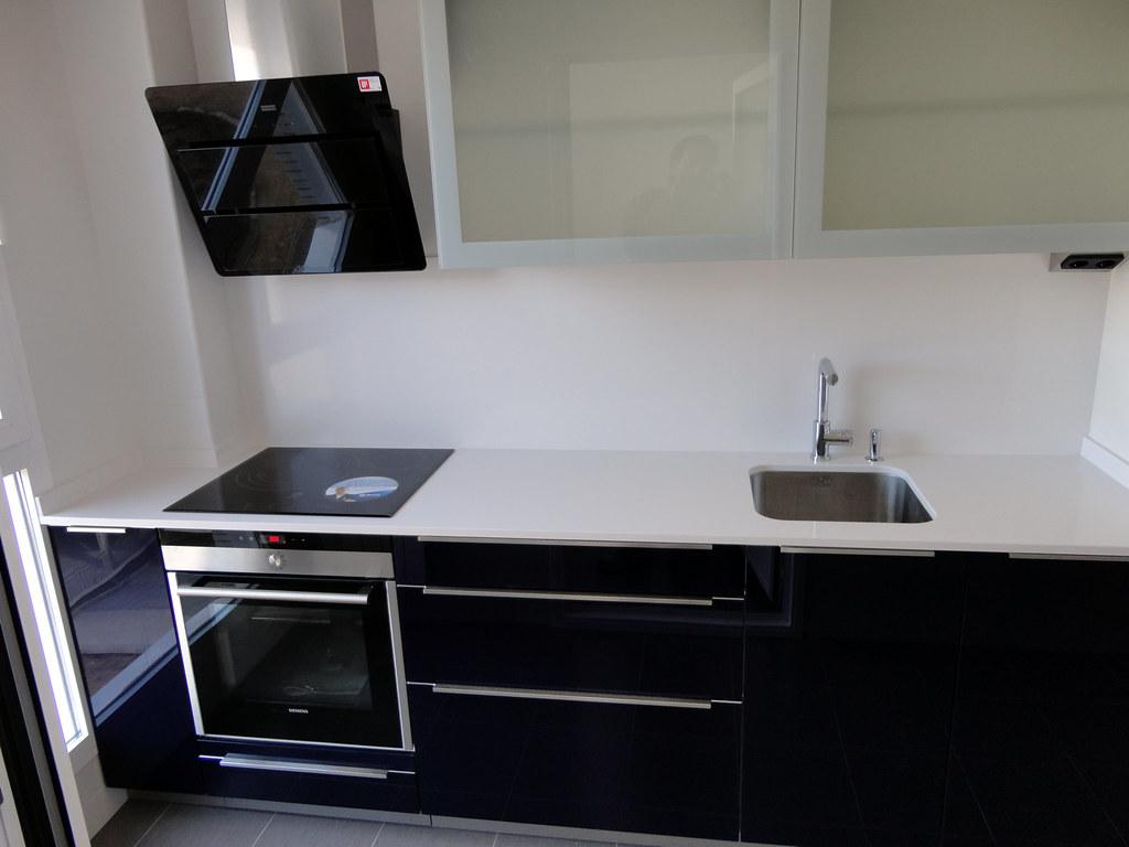 Muebles de cocina en cristal de dise o - Cristal templado cocina precio ...