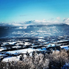 The view from the Saleve during winter. Let's wait 6 months , take the same picture and compare colors ;-)