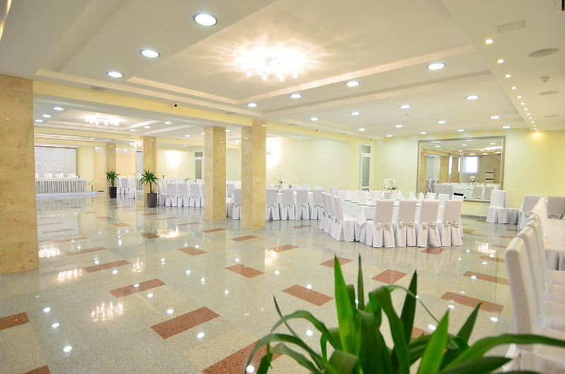 Restaurant & Events Hall PLATINUM > Foto din galeria `Principala`