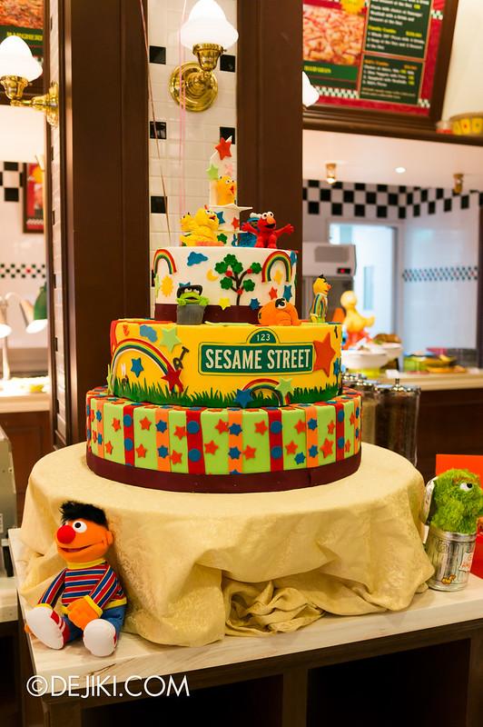 Sesame Street Character Breakfast at Universal Studios Singapore - Tiered cake