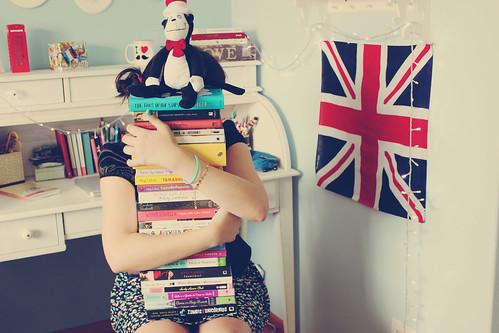 i (hug) books