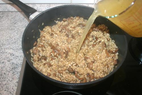 31 - Hühnerbrühe hinzufügen / Drain chicken stock
