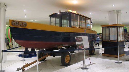 New York State Canal Corporation duty boat (1st of 2 photos) by Coyoty