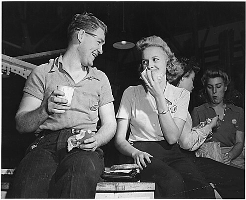 GREATEST GENERATION ON LUNCH BREAK 1942