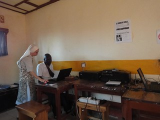 Espaço Internet em Aru no Congo