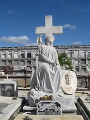 2013-01-cuba-056-cienfuegos-cementerio la reina