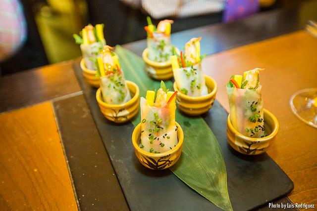 Ensalada vietnamita de langostinos y mango verde con aliño firecracker (Asiana Nextdoor)