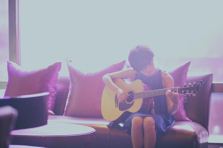 婚禮攝影-彈吉他