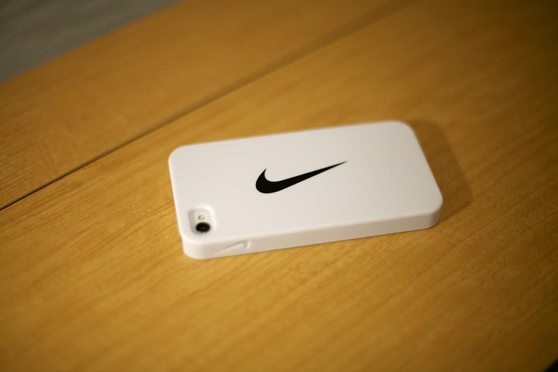 2013-02-10 Nike iPhone4/4Sケース