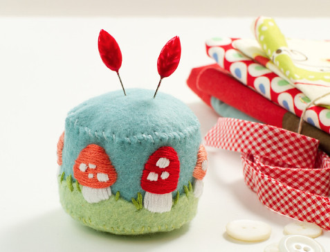 mushroom pincushion tutorial!