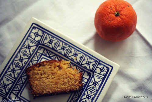 Orange et noisette drizzle cake