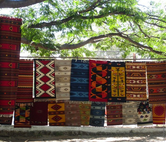 Rugs being sold off highway, Ajijic