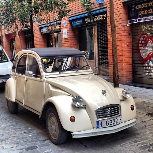Dos caballos #clasico #coche #car #oldcar #cocheclasico #citroen #doscaballos #2caballos