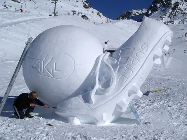 snow-soccer-ball