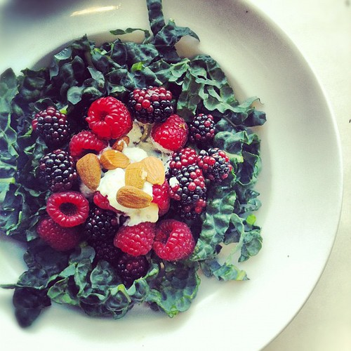 Cavolo nero, blueberries, raspberries, almond cream. #Raw #salad #foodporn #salapride by Salad Pride
