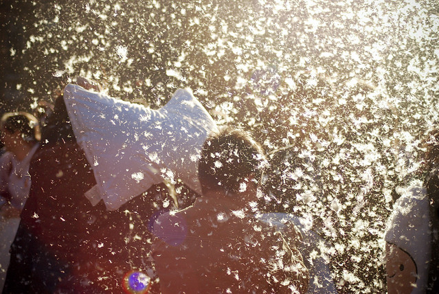 Pillow_Fight_NYC_2013_21