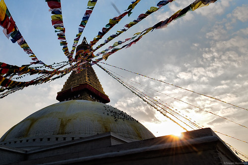 nepal sunset tramonto prayerflags buddhisttemple boudhnathstupa