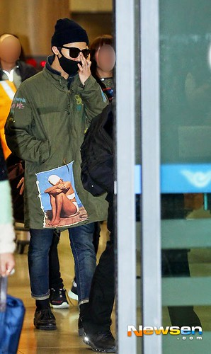GD arriving Seoul from Fuzhou Press Pics 2015-03-29 008