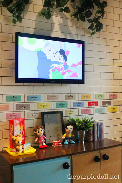 TV and Cute Things at Umami Hambaagu House