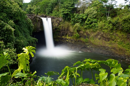 longexposure green landscape hawaii waterfall