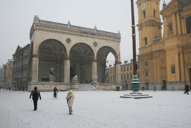 Odeonsplatz, Neve - Snow