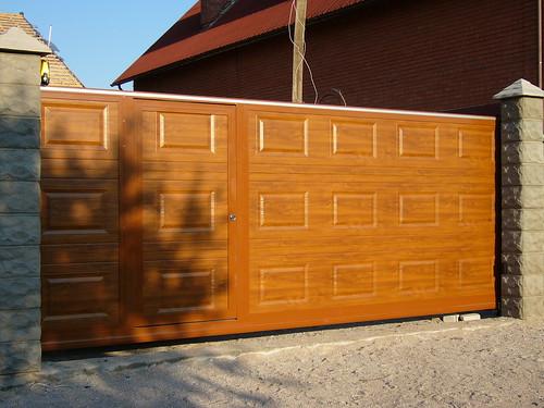откатные ворота паркан сендвич панель
