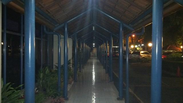 7. Hasil foto Z10 - Malam hari di luar ruangan dengan cahaya kurang (Flash)