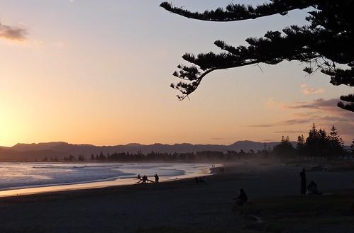 sunset newzealand beach gisborne eastcape povertybay waikanaebeach
