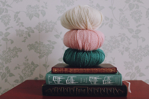 books & yarns