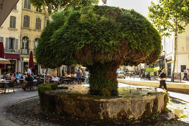 Salon de provence explore shadowgate 39 s photos on flickr for Cinema salon de provence