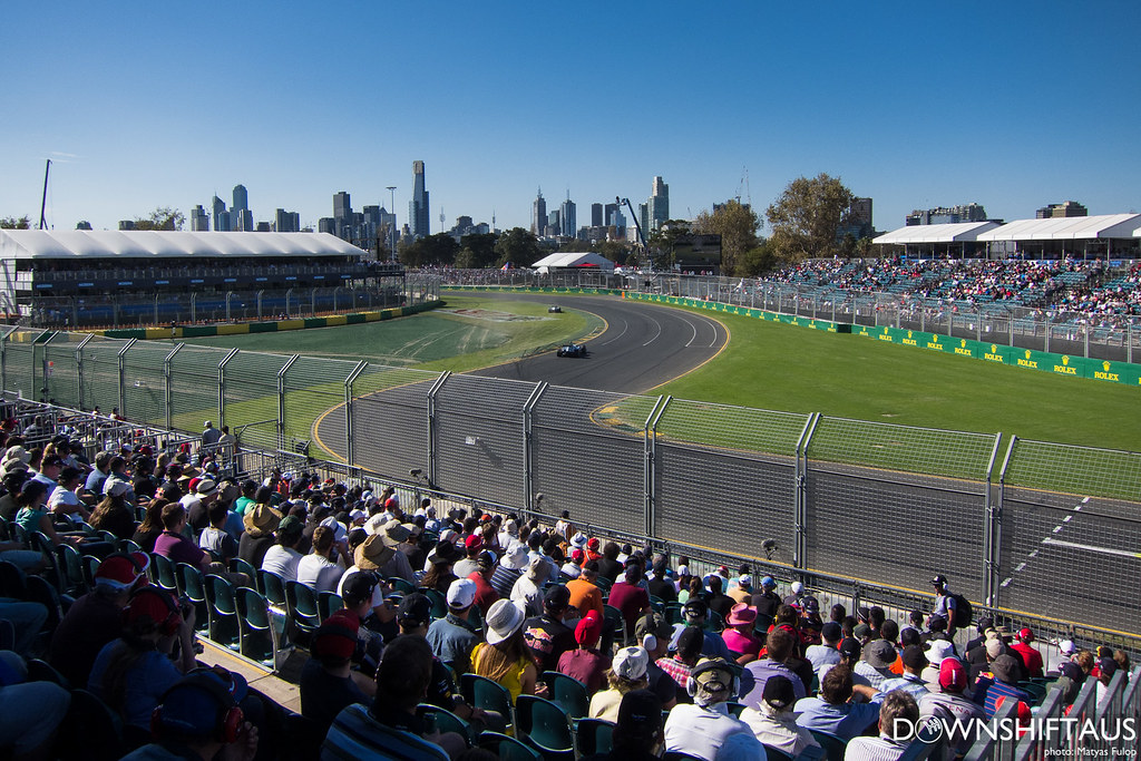 Downshift at the Melbourne F1, 2013