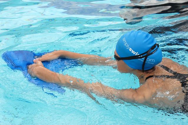 Вредна ли хлорка в бассейне