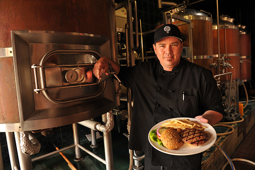 Maui Brewing Company, Chef Shawn Samaniego, Photo by Shawn Hower
