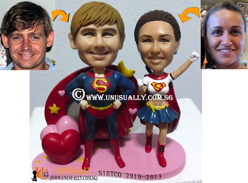 Personalized 3D Sweet Super Couple Figurines On Heart PhotoFrame - @www.unusually.com.sg