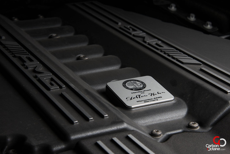2013_Mercedes_SLS-Roadster_engine_amg_plaque.jpg